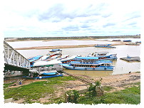 Boote im Tonle Sap See